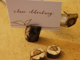 logs place card holder