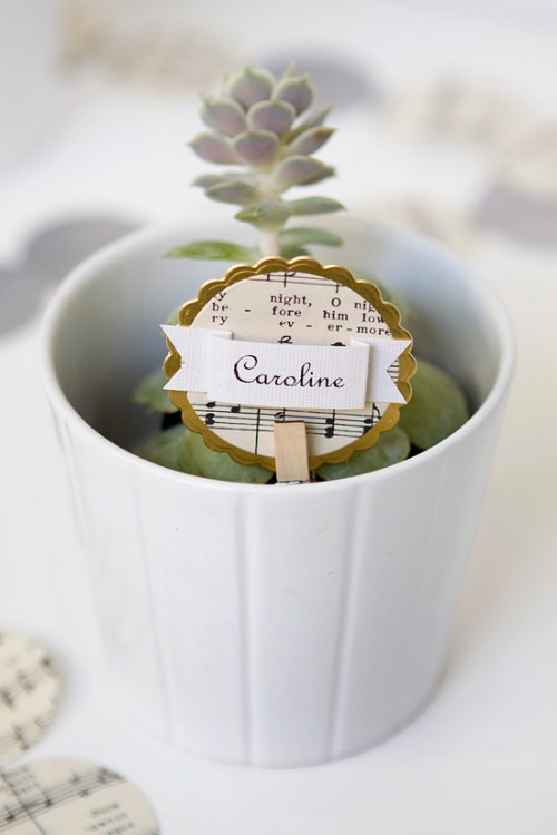unique Christmas place card holders (via armelleblog)