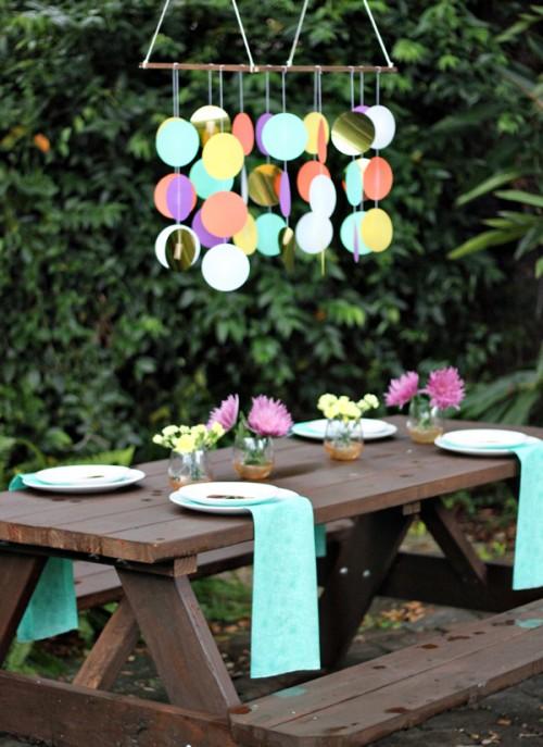 confetti chandelier (via theflairexchange)