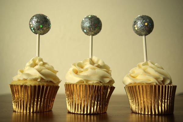 sparkling cupcake toppers