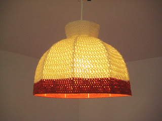 crocheted lampshade (via letandas)