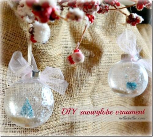 DIY snow globe ornament (via nelliebellie)