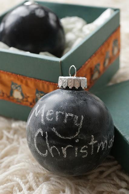 Chalkboard ornaments (via rustsunshine)