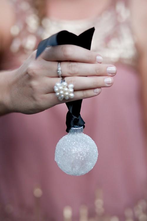 Icy snowball ornaments (via )
