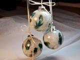 Feather Christmas balls