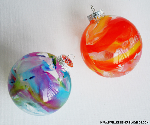 Crayon Christmas ornaments (via )