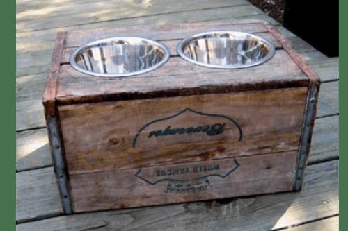 vintage dog bowl (via gadgets4guys)