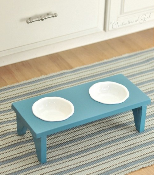 simple dog bowl stand (via centsationalgirl)