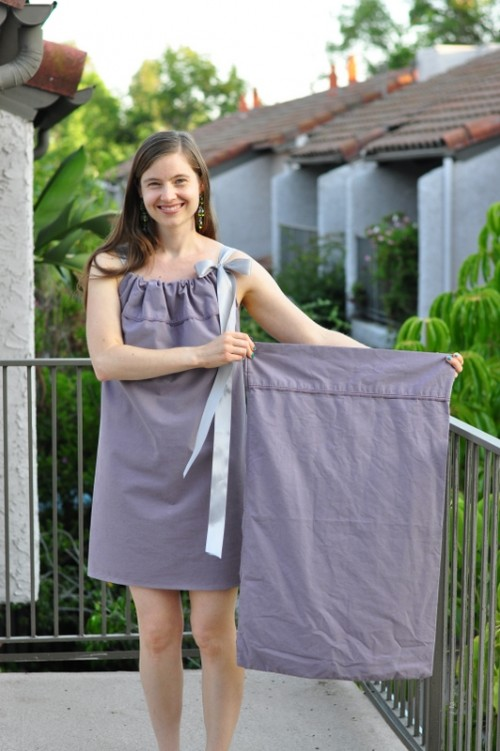 pillowcase dress (via krugthethinker)