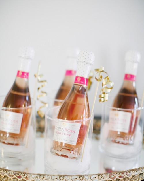 11 Awesome DIY Flutes, Bottles And Tableware For New Year Parties