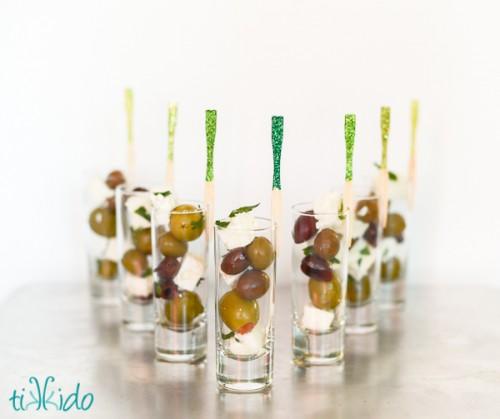 glitter cocktail forks (via tikkido)