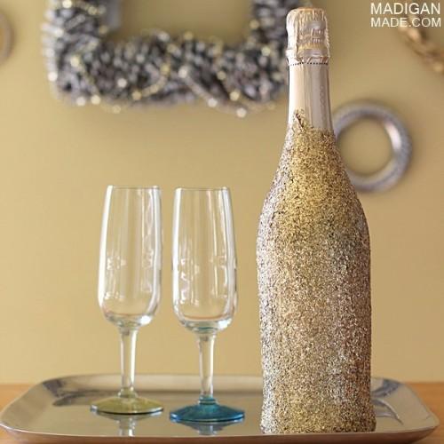 glitter champagne bottle (via madiganmade)