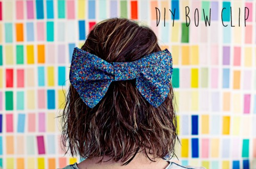 maxi bow hair clip (via clonesnclowns)