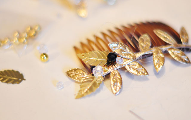 bejeweled hair comb