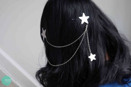 triple star hair chain (via mintedstrawberry)