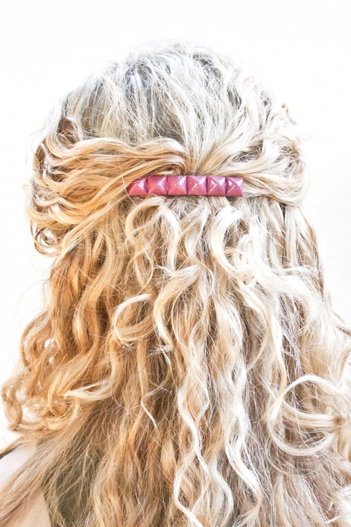 simple studded barrette (via transientexpression)