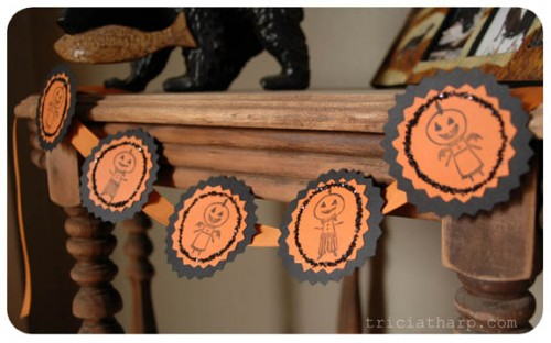 Cool Spooky Stamped Garland Tutorial (via frizzillustration)