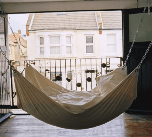 easy canvas hammock for outdoors (via shelterness)
