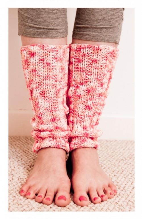 yoga leg warmers (via yogahound)