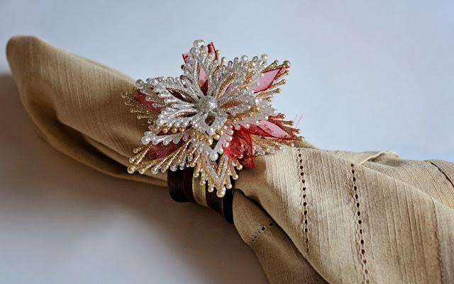 Christmas snowflake ornament into a napkin ring