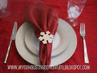 snowflake napkin rings (via myexhaustingadventure)