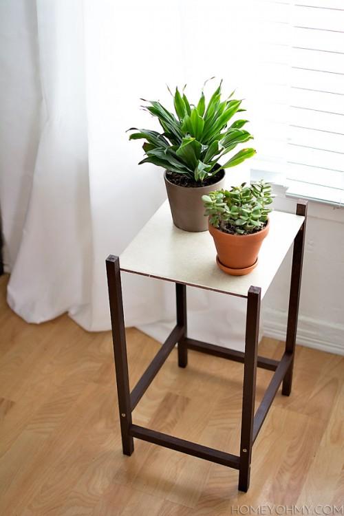 modern plant stand (via homeyohmy)
