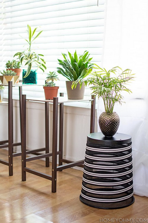 trash can plant stand (via shelterness)