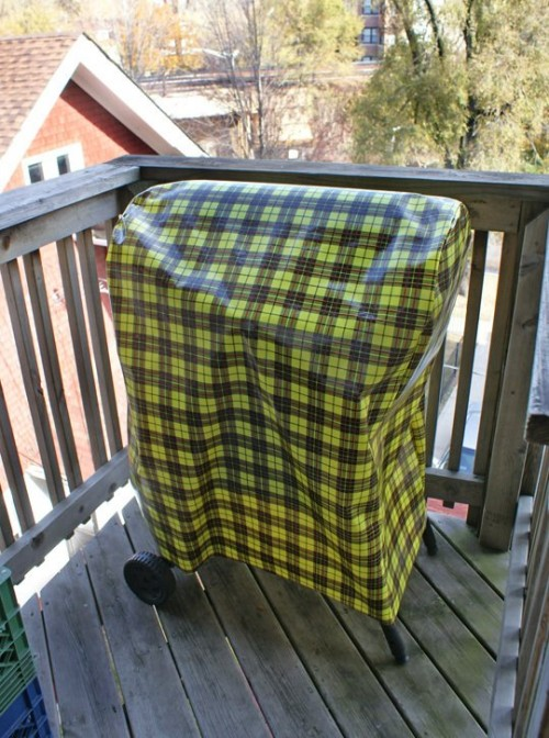 weber grill cover (via apartmenttherapy)