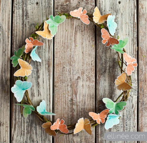 DIY twig butterfly wreath (via ellinee)