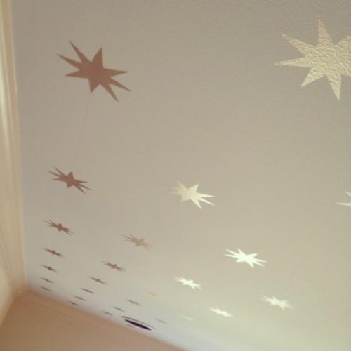star stenciled ceiling (via kfddesigns)