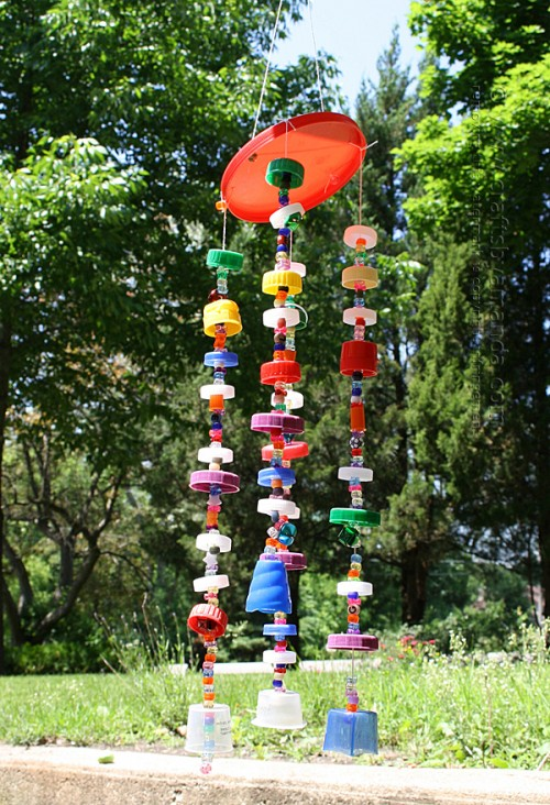 plastic lid wind chime (via craftsbyamanda)