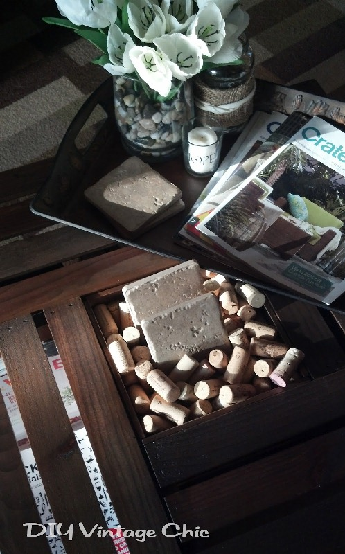Awesome diy wine crates table shelterness for Diy wine crates