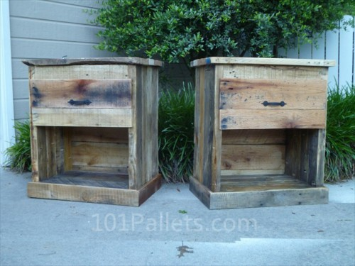 pallet nightstand (via 101pallets)