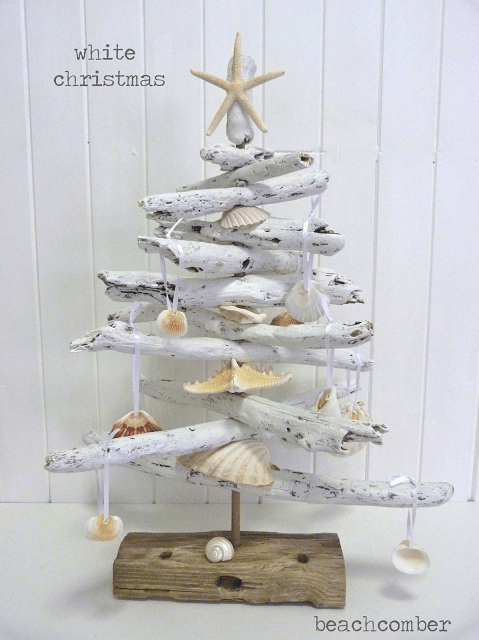 white driftwood Christmas tree (via beachcomber26)