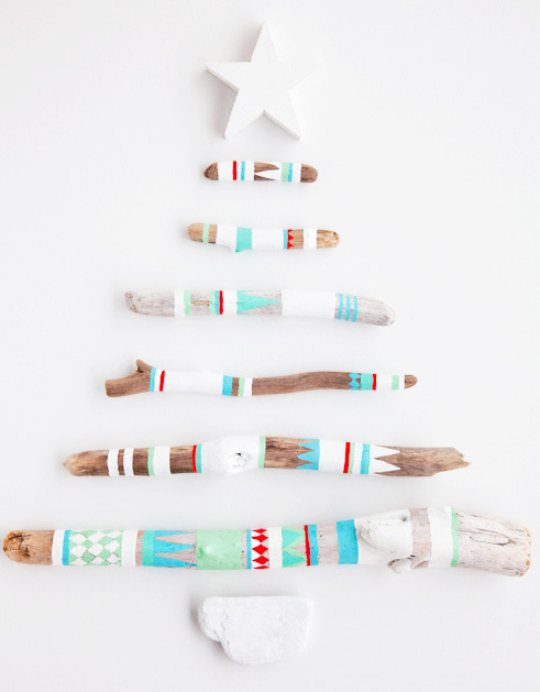 pretty driftwood festive tree (via decor8blog)