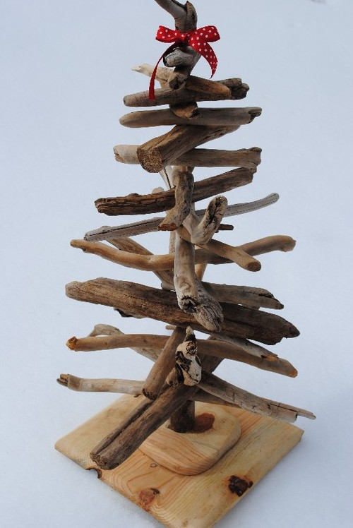driftwood Christmas tree with ribbon