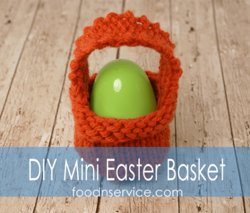 knitted mini Easter basket (via foodnservice)