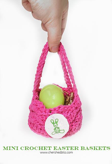 mini crochet basket (via cherishedbliss)