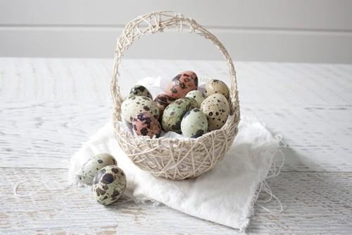 string Easter basket (via taradennis)