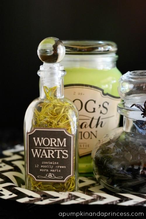 Halloween apothecary jars (via apumpkinandaprincess)