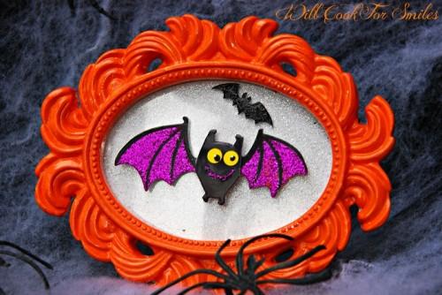 vampire bat decorative frame (via willcookforsmiles)