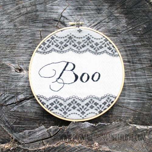 Halloween embroidery hoop art (via dosmallthingswithlove)