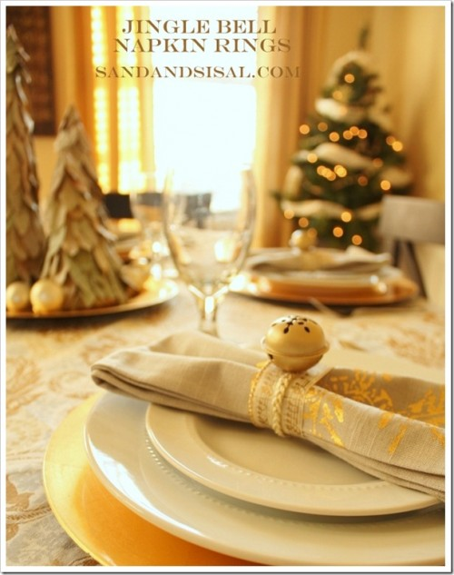 jingle bells napkin rings (via sandandsisal)