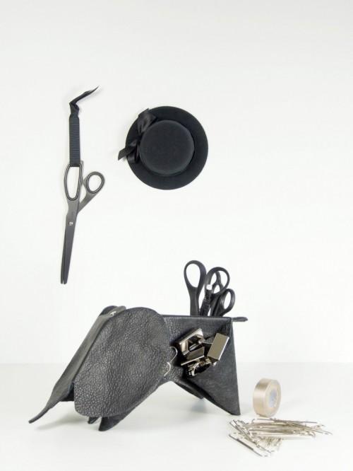 leather desk organizer (via monsterscircus)