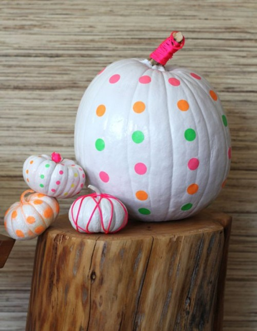 polka dot neon pumpkin (via shelterness)