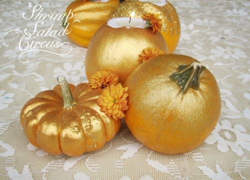 gilded pumpkin tea lights (via shrimpsaladcircus)