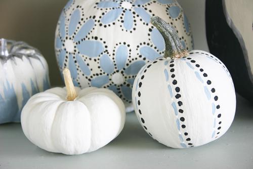 painted pumpkins (via lacquerandlinen)
