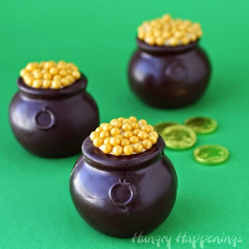 chocolate pots of gold (via hungryhappenings)