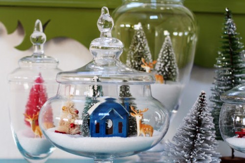 diy sparkling snow globes (via rebekahgough)