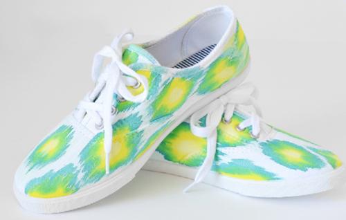 dyed ikat sneakers (via ilovetocreateblog)